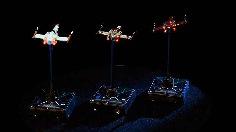 Star Wars Z-95 Headhunter mit beleuchteten Treibwerken
